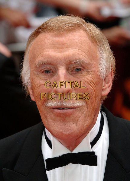 BRUCE FORSYTHE.Arrivals at the British Academy Television Awards, (BAFTA's) held at Grosvenor House Hotel, London, .England, May 7th 2006..bafta baftas portrait headshot funny.Ref: PL.www.capitalpictures.com.sales@capitalpictures.com.©Phil Loftus/Capital Pictures