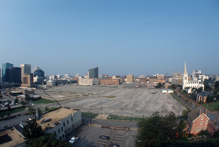 1996 September 10..Redevelopment..Macarthur Center.Downtown North (R-8)..PROGRESS.LOOKING WEST.FROM ROTUNDA BUILDING.SUPERWIDE VIEW...NEG#.NRHA#..