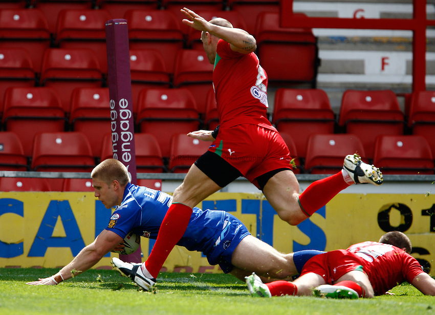 Photo: Richard Lane/Richard Lane Photography. Crusaders v Hull KR. Engage Super League. 09/07/2011. KR's Sam Latus dives in for a try.