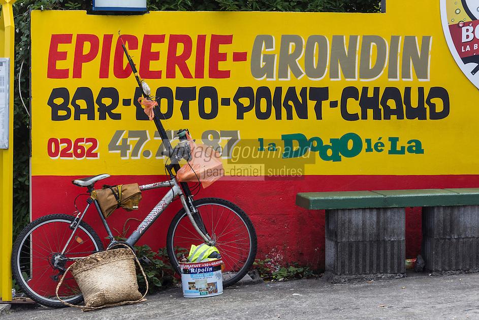 France, île de la Réunion, Saint Joseph, enseigne d'une épicerie  // France, Ile de la Reunion (French overseas department), Saint Joseph, grocery teach