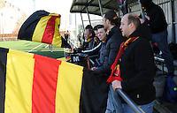 Belgian Red Flames - Arras (FR) :<br /> <br /> kleurrijke supporters voor Belgian red Flames<br /> <br /> foto Dirk Vuylsteke / Nikonpro.be