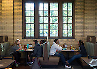 Students have breakfast in Perry Cafeteria booths.<br />  (photo by Sarah Dutton / &copy; Mississippi State University)