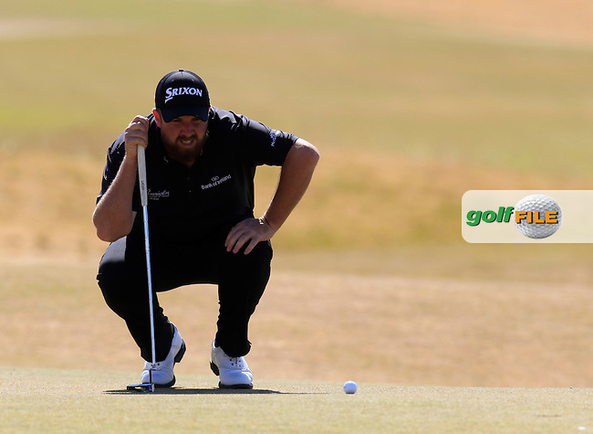 Shane LOWRY (IRL) lines up his putt on the 5th green during Friday's Round 2 of the 2015 U.S. Open 115th National Championship held at Chambers Bay, Seattle, Washington, USA. 6/19/2015.<br /> Picture: Golffile | Eoin Clarke<br /> <br /> <br /> <br /> <br /> All photo usage must carry mandatory copyright credit (&copy; Golffile | Eoin Clarke)