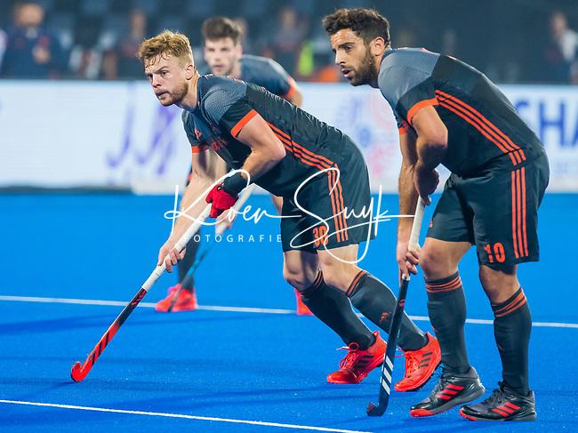 BHUBANESWAR (INDIA) -  Mink van der Weerden (Ned) en Valentin Verga (Ned)   tijdens Nederland-Canada bij het WK Hockey heren. .COPYRIGHT KOEN SUYK