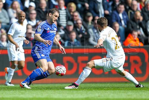 09.04.2016. Liberty Stadium, Swansea, Wales. Barclays Premier League. Swansea versus Chelsea. Chelsea's Branislav Ivanović  evades Swansea City's Gylfi Sigurdsson