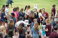 Orientation 2018: Incoming students meet up on the Drill Field outside Lee Hall with their groups led by Orientation Leaders.<br />  (photo by Megan Bean / &copy; Mississippi State University)