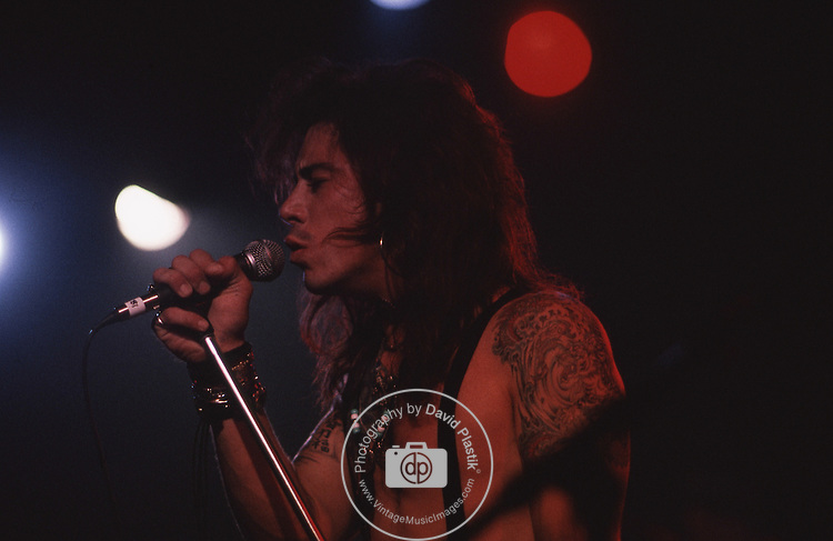 Saigon Saloon - Sept 1989- Hollywood. Jinx - lead vocals