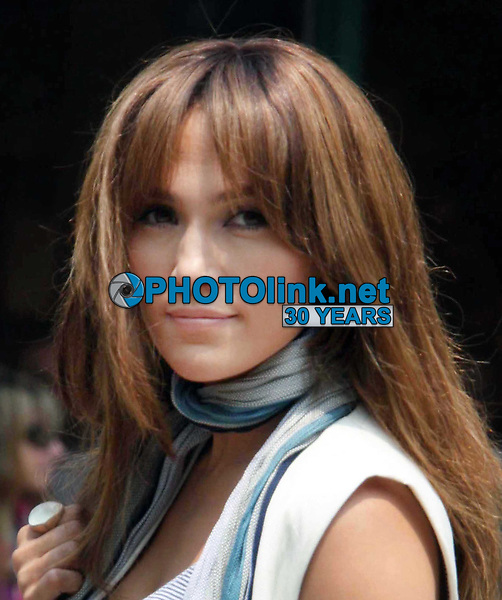 Jennifer Lopez during the first day shooting The Back-up Plan 2009<br /> Photo By John Barrett/PHOTOlink.net