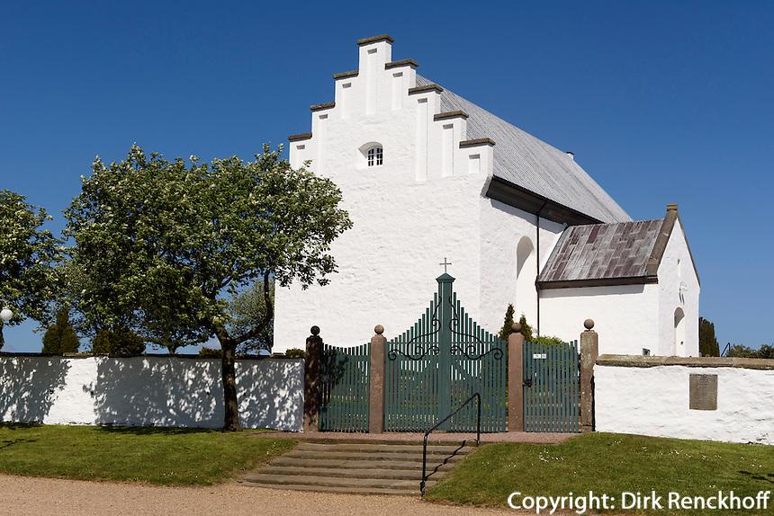 Sankt Povls Kirke (Pauls Kirche) von 1250 in Paulsker auf der Insel Bornholm, D&auml;nemark, Europa<br /> Sankt Povls Kirke (Pauls church (1250) in Paulsker, Isle of Bornholm Denmark
