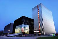 Nederland Amsterdam - 2019.    Universiteit van Amsterdam. Science Park. Datacenter Equinix AM3 en AM4. Door de toenemende vraag van bedrijven om hun ict te verplaatsen naar de cloud, heeft Equinix de beschikbare ruimte uitgebreid. Het datacenter ligt op een van de meest netwerkdichte locaties van Europa. Foto Berlinda van Dam / Hollandse Hoogte