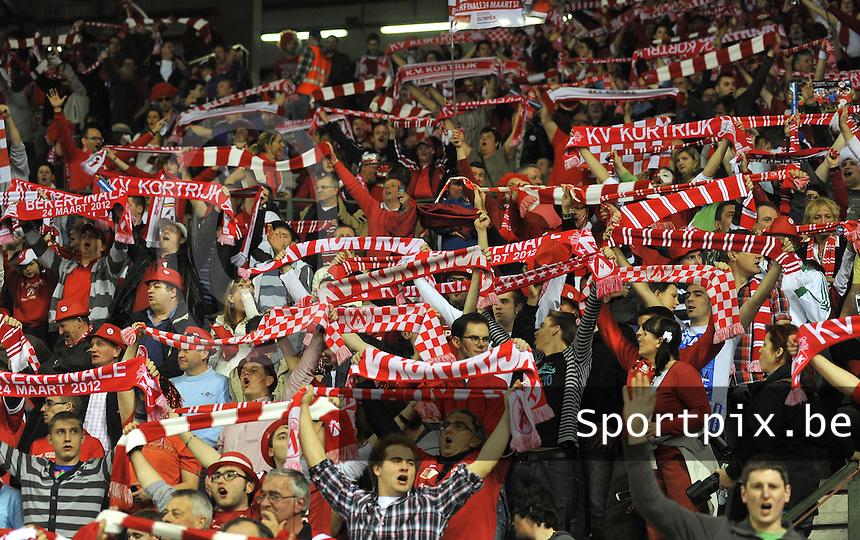 Bekerfinale KV Kortrijk - Lokeren : de Kortrijk - supporters moedigen hun team aan .foto VDB / BART VANDENBROUCKE