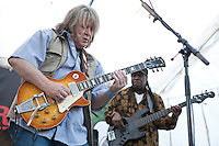 Mick Taylor at mOare Music 2012