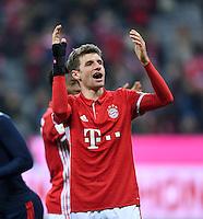 Fussball  1. Bundesliga  Saison 2016/2017  14. Spieltag  FC Bayern Muenchen - VfL Wolfsburg    10.12.2016 Schlussjubel; Thomas Mueller (FC Bayern Muenchen)