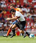 Inter Milan's Francesco Bolzoni and Valencia's Ruben Baraja.Pic SPORTIMAGE/Simon Bellis..Pre-Season Friendly..Internazionale v Valencia..28th July, 2007..--------------------..Sportimage +44 7980659747..admin@sportimage.co.uk..http://www.sportimage.co.uk/