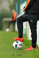 20191101 - Tubize: Illustration picture shows a detail of a ball boy pictured during the international friendly match between Red Flames U16 (Belgium) and Norway U16 on 1 November 2019 at Belgian Football Centre, Tubize. PHOTO:  SPORTPIX.BE   SEVIL OKTEM