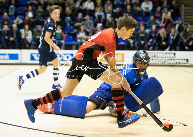 ROTTERDAM  - NK Zaalhockey  finale .hdm JB1-Schaerweijde JB1 (3-5)  . Schaerweijde  Nederlands Kampioen -16.  Lucas Veen met Xander Menken.    COPYRIGHT KOEN SUYK