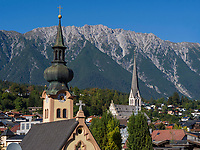 Johanneskirche und Pfarrkirche Mari&auml; Himmelfahrt in Imst, Tirol, &Ouml;sterreich, Europa<br /> St. Johannes and parish  church of the Assumption of Mary, Imst, Tyrol, Austria, Europe