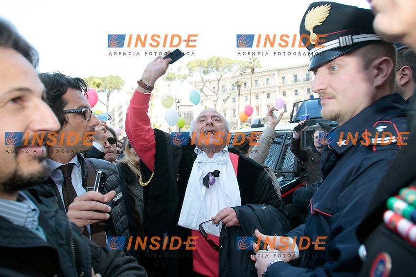 .Roma 15/03/2012 Manifestazione degli avvocati, molti in toga, contro le liberalizzazioni volute dal Governo..Demostration of lawyers against Government.Photo Samantha Zucchi Insidefoto