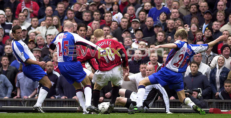 Pix: Simon Wilkinson/SWpix.com. Football. Barclaycard Premiership. Manchester United v Blackburn Rovers. 19/04/2003...COPYRIGHT PICTURE>>SIMON WILKINSON>>01943 436649>>..Manchester United's Paul Schloes scores his second