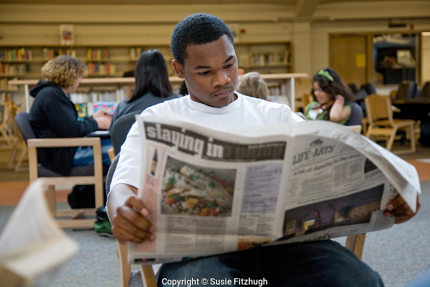 David Katz's Language Arts students read in the library at Chief Sealth High School.