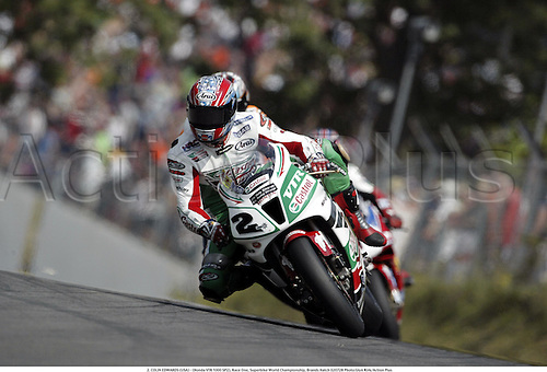 2. COLIN EDWARDS (USA) - (Honda VTR 1000 SP2), Race One, Superbike World Championship, Brands Hatch 020728 Photo:Glyn Kirk/Action Plus...man rider motorcycle.Superbikes sbk motorsport motorcycling motor.2002