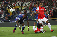 BOGOTÁ- COLOMBIA, 01-05-2019:Carlos Henao (Der.) jugador del Independiente Santa Fe    disputa el balón contra Fabian Gonzalez Lasso (Izq.) jugador de Millonarios  durante partido por la fecha 19 de la Liga Águila I  2019 jugado en el estadio Nemesio Camacho El Campín  de la ciudad de Bogotá. /Carlos Henao (R) player of Independiente Santa Fe  fights for the ball  against of Fabian Gonzalez Lasso (L) player of Millonarios during the match for the date 19 of the Liga Aguila I 2019 played at the Nemesio Camacho El Campin  stadium in Bogota city. Photo: VizzorImage / Felipe Caicedo / Staff