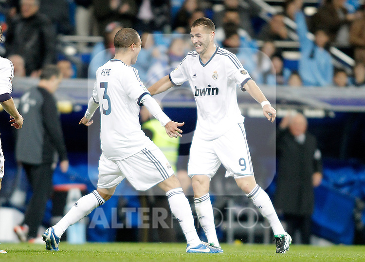 Real Madrid's Karim Benzema celebrates with Pepe during La Liga Match. November 17, 2012. (ALTERPHOTOS/Alvaro Hernandez)