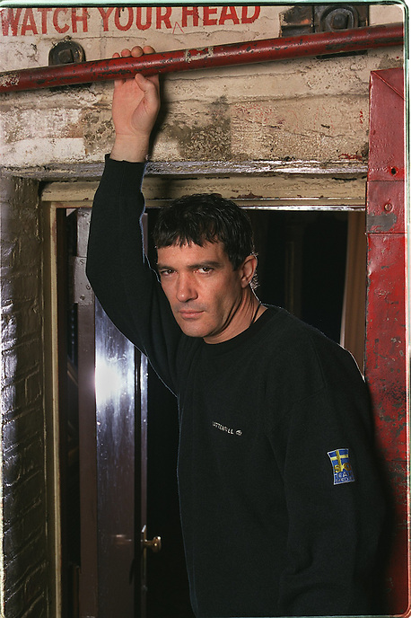 ANTONIO BANDERAS backstage at the Eugene O'Neill theater where he is about to make his Broadway debut playing the Fellini-esque director Guido Contini in NINE.....230 W. 49 St., NYC.....Newsday/ARI MINTZ  3/27/2003.