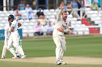 Simon Harmer of Essex with an appeal for a wicket during Essex CCC vs Warwickshire CCC, Specsavers County Championship Division 1 Cricket at The Cloudfm County Ground on 21st June 2017