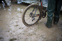 super-muddy in the pits<br /> <br /> Noordzeecross - Middelkerke 2016