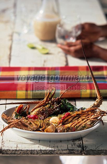 """Europe/France/DOM/Antilles/Petites Antilles/Guadeloupe/Deshaie : Restaurant """"Karacoli"""" à Grande Anse - Les langoustes créoles de Mme Lucienne Salcede"""