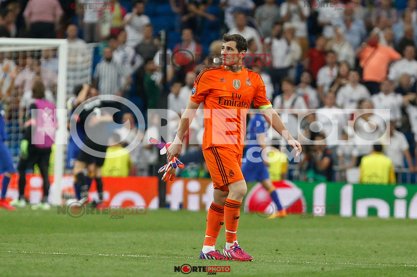 Real Madrid´s goalkeeper Iker Casillas leaves the field after losing the Champions League semi final soccer match between Real Madrid and Juventus at Santiago Bernabeu stadium in Madrid, Spain. May 13, 2015. (ALTERPHOTOS/Victor Blanco) /NortePhoto.COM