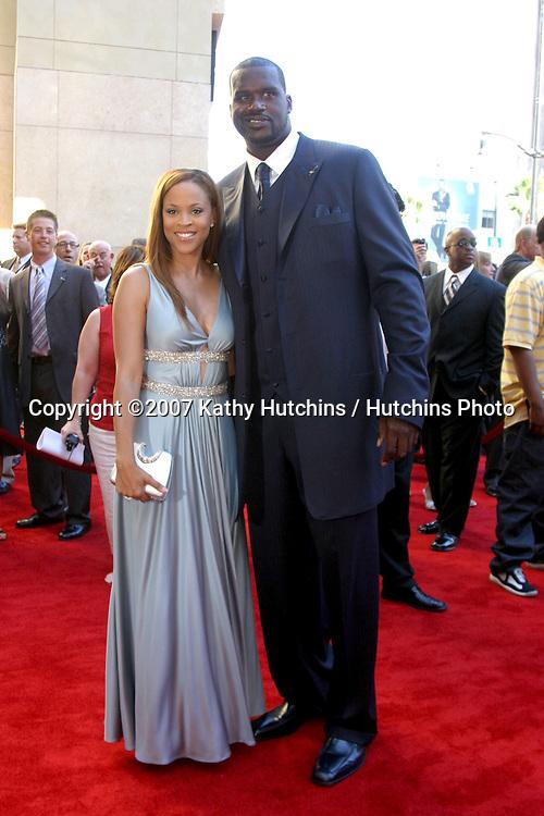 Shaquille O'Neal & Wife.ESPY Awards 2007.Kodak Theater.Los Angeles, CA.July 11, 2007.©2007 Kathy Hutchins / Hutchins Photo....