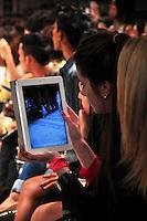 RIO DE JANEIRO, RJ, 24 MAIO 2012  - FASHION RIO - R. GROVE - Desfile da grife R. Groove durante a 21ª edição do Fashion Rio Verão 2013, realizado no Jockey Club, na Gávea, zona sul do Rio de Janeiro, nesta quinta-feira (24). FOTO: STHEFANIE SARAMAGO - BRAZIL PHOTO PRESS.
