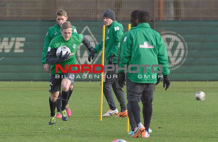 10.02.2014, Trainingsgelaende, Bremen, GER, 1.FBL, Training Werder Bremen, im Bild Felix Kroos (Bremen #18)<br /> <br /> Foto &copy; nordphoto / Frisch