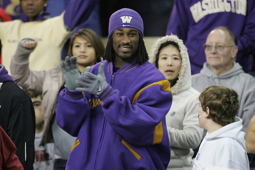 College footbal at Husky Stadium in Seattle on Saturday Oct. 28, 2006 with Washington Huskies vs Arizona State SunDevils. (Kevin P. Casey/SEATTLE WEEKLY)<br />