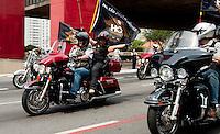SAO PAULO, SP, 17.10.2014 - Comemorando o dia da Harley-Davidson,  centenas de motocilclistas desfilam com suas motos pela avenida Paulista, no centro da cidade, neste sábado, 18( Gabriel Soares/ Brazil Photo Press)