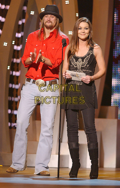 KID ROCK & GRETCHEN WILSON.2007 CMA Awards, Country Music's Biggest Night, held at the Sommet Center, Nashville, Tennessee, USA, .07 November 2007..live show on stage full length  red shirt jeans black hat.CAP/ADM/LF.©Laura Farr/AdMedia/Capital Pictures.