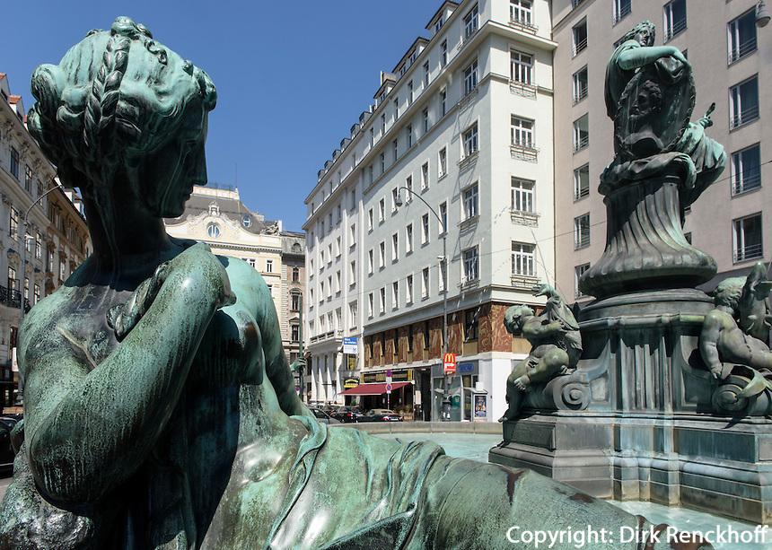 Barocker Donnerbrunnen am  Neuen Markt , Wien, &Ouml;sterreich, UNESCO-Weltkulturerbe<br /> Baroque Donner fountain at Neuer Markt, Vienna, Austria, world heritage