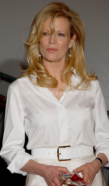 "WWW.ACEPIXS.COM . . . . . ....NEW YORK, MAY 1, 2006....Kim Basinger at the ""AngloMania"" Costume Institute Gala at The Metropolitan Museum of Art.....Please byline: KRISTIN CALLAHAN - ACEPIXS.COM.. . . . . . ..Ace Pictures, Inc:  ..(212) 243-8787 or (646) 679 0430..e-mail: picturedesk@acepixs.com..web: http://www.acepixs.com"