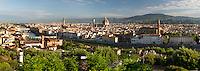 Italy, Tuscany, Florence: view over Florence from Piazza Michelangelo | Italien, Toskana, Florenz: Stadtansicht von der Piazza Michelangelo ueber den Arno und die Altstadt