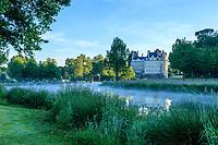France, Maine-et-Loire (49), Brissac-Quincé, château de Brissac, ruisseau de Montayer le matin