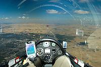 FLARM: EUROPA, SPANIEN,  21.08.2005: Flugzeug, Instrument, Flarm, Kolisionswarnung, Zusammenstosswarnung, Instrumenetnbrett