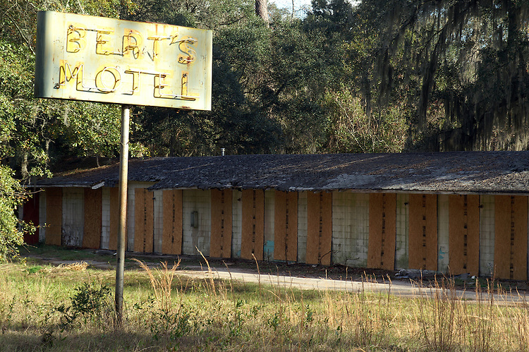 Berts Motel is between Tallahassee and Monticello.  Many small motels like this died as the speed and range of cars increased.