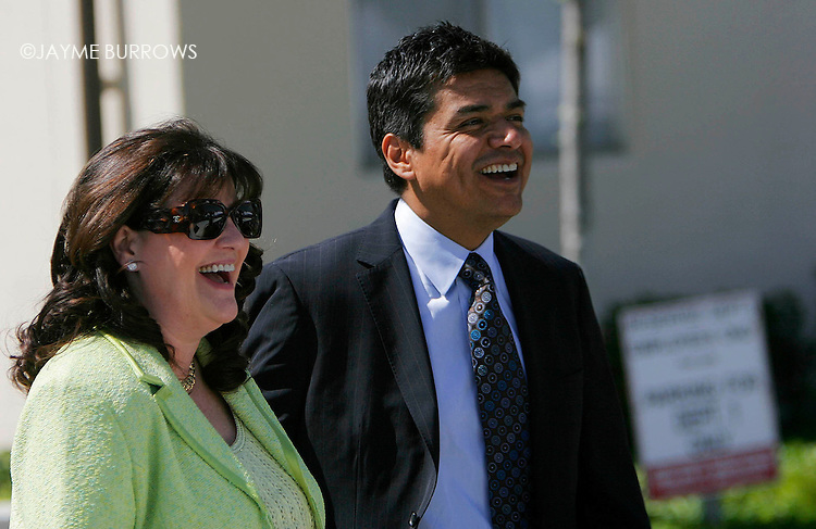 Actor George Lopez and wife Ana Serrano leave the Santa Barbara County courthouse in Santa Maria, California after testifying in Michael Jackson's child molestation trial on May 28, 2005.