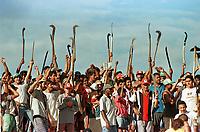 Integrantes do MST - Movimento dos Sem Terra - invadiram a fazenda Chão de Estrelas de propridade do então senador Jader Barbalho. A desocupação ocorreu com ação militar.<br />27/06/01<br />©FOTO: Paulo Santos/ Interfoto<br />Negativo Nº 7905 T3 F27a