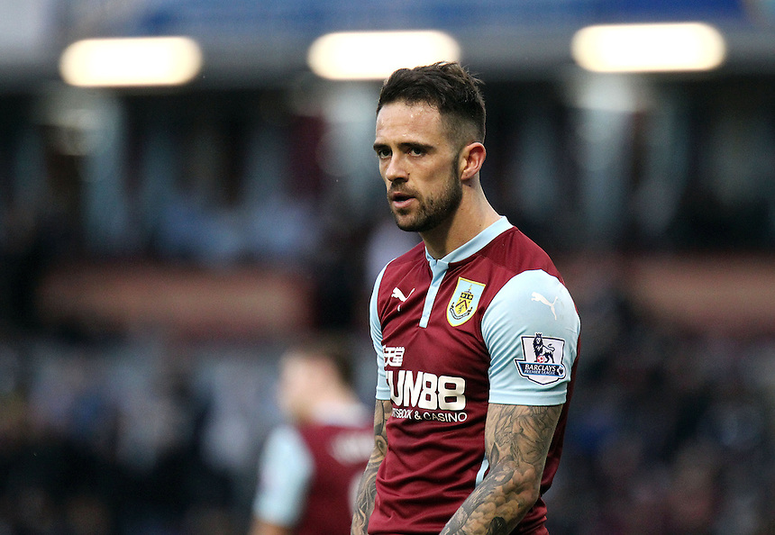 Burnley's Danny Ings looks dejected late in the match as Burnley slip to a narrow defeat<br /> <br /> Photographer Rich Linley/CameraSport<br /> <br /> Football - Barclays Premiership - Burnley v Swansea City - Friday 27th February 2015 - Turf Moor - Burnley<br /> <br /> &copy; CameraSport - 43 Linden Ave. Countesthorpe. Leicester. England. LE8 5PG - Tel: +44 (0) 116 277 4147 - admin@camerasport.com - www.camerasport.com