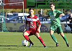 2015-11-01 / voetbal / seizoen 2015-2016 / Berg en Dal - VC Herentals / Admir Krajisnic (l) (VC Herentals) controleert de bal met achter hem Jens Van Der Sanden (Berg en Dal)
