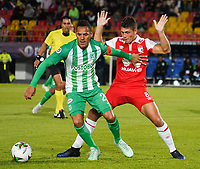 BOGOTA – COLOMBIA, 17-01-2019: Facundo Guichon (Der) jugador de Independiente Santa Fe disputa el balón con Aldo Leao Ramirez (Izq) jugador del Atletico Nacional durante partido del Torneo Fox Sports 2019 jugado en el estadio Nemesio Camacho El Campin de la ciudad de Bogotá. / Facundo Guichon (R) player of Independiente Santa Fe fights for the ball with Aldo Leao Ramirez (L) player of Atletico Nacional during match for the Fox Sports Tournament 2019 played at Nemesio Camacho El Campin Stadium in Bogota city. Photos: VizzorImage / Diego Cuevas / Cont