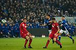 19.12.2017, Veltins-Arena , Gelsenkirchen, GER, DFB Pokal Achtelfinale, FC Schalke 04 vs 1. FC K&ouml;ln<br /> , <br /> <br /> im Bild | pictures shows:<br /> Daniel Caligiuri (FC Schalke 04 #18) setzt sich gegen Salih Oezcan (1.FC Koeln #20) durch, <br /> <br /> Foto &copy; nordphoto / Rauch